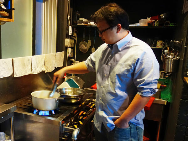 Dan Gray is a restaurateur and food blogger in Seoul, South Korea.