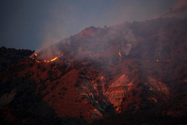 <p>Sugarloaf Fire near John Day Fossil Beds.</p>