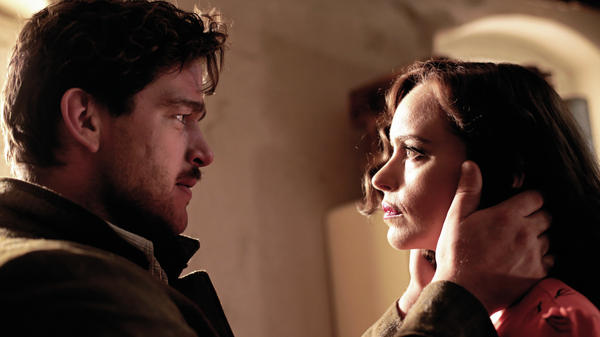 Ronald Zehrfeld (Johnny) and Nina Hoss (Nelly) in Christian Petzold's <em>Phoenix</em>.