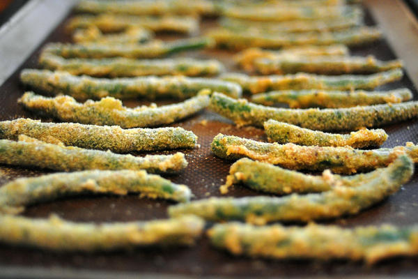 Cornmeal-crusted green beans from the <em>Cheap and Good</em> cookbook.