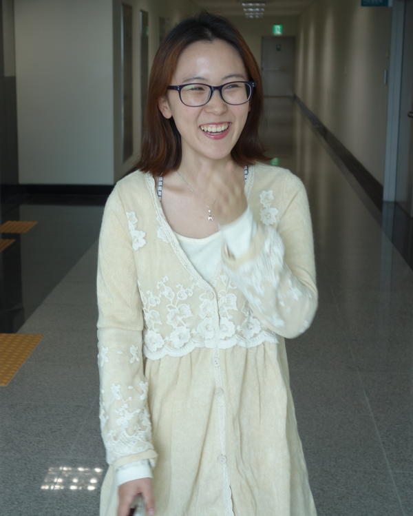 Kim Seyeon is a college student and a professional role player. She's attended about 70 weddings in the past 18 months, as a hired fake guest.