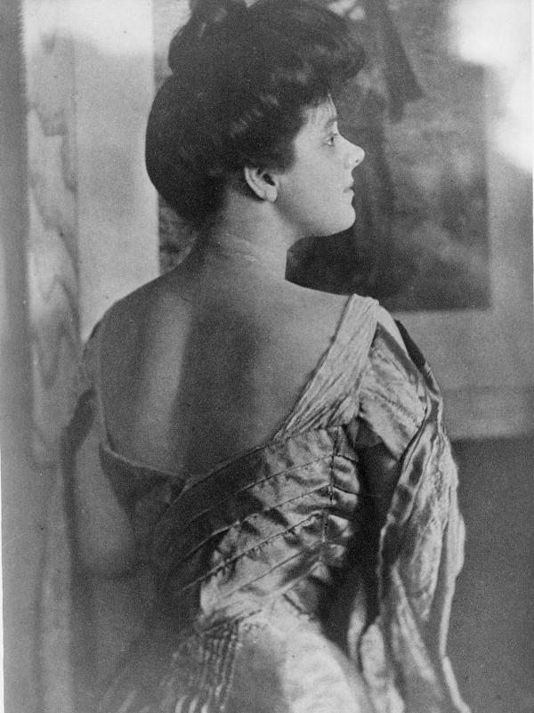 American socialite Rita Lydig in a 1905 photo.