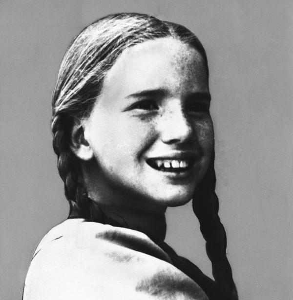 Melissa Gilbert, who played Laura Ingalls on <em>Little House on the Prairie,</em> poses in October 1976.