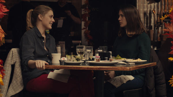 Brooke (Greta Gerwig) takes Tracy (Lola Kirke) under her wing in <em>Mistress America</em>.