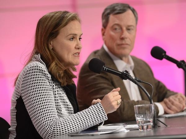 Michèle Flournoy and Philip Zelikow argued for the measure.