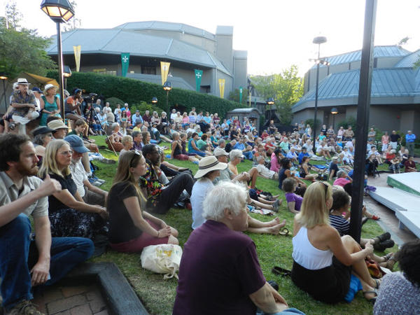 <p>The Oregon Shakespeare Festival holds performances outside in courtyard, as well as in the Allen Elizabethan Theatre (back left).</p>