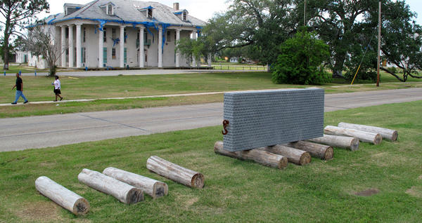 Located in the artist's former New Orleans neighborhood of Gentilly, Saucedo's <em>Flood Marker</em> commemorates the victims of Hurricane Katrina.