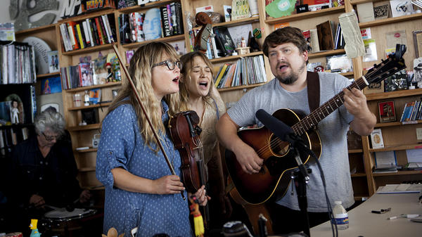 Fiona Apple performs with the Watkins Family Hour at the Tiny Desk.