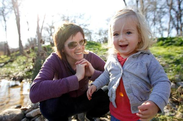 Jenny Pitts pictured with her daughter, Ellison.
