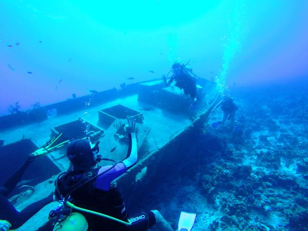 Diving a wreck in the Bay of Pigs, Cuba