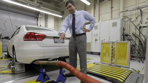 John Swanton of the California Air Resources Board, explaining how a 2013 Volkswagen with a diesel engine is evaluated at an emissions test lab. The U.S. has filed a civil complaint against Volkswagen over emissions cheating in its diesel cars.
