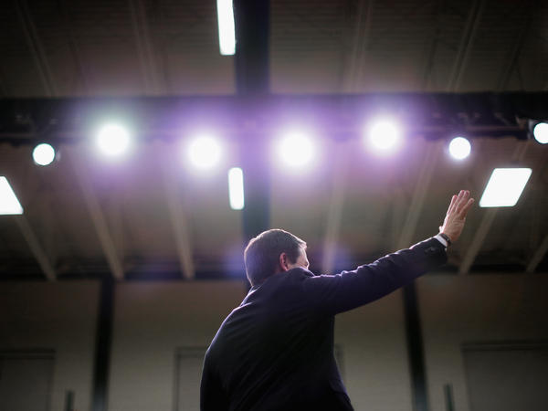 Florida Sen. Marco Rubio speaks Monday at his final rally before the New Hampshire primary.