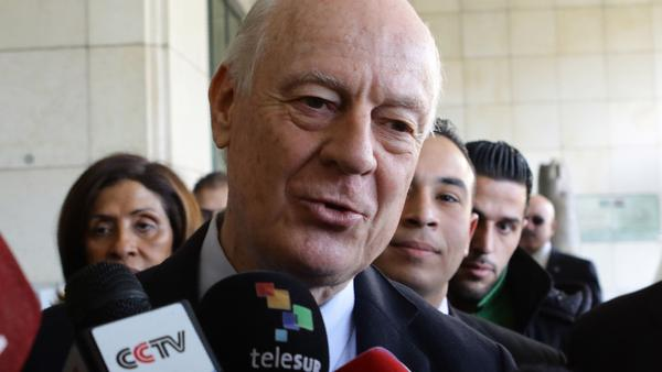 "The U.N.'s envoy for Syria, Staffan de Mistura, says he can't ""realistically"" hold peace talks on Syria next week."