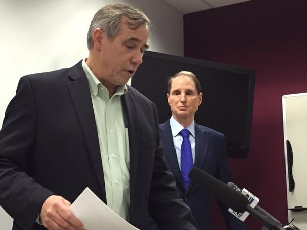 <p>U.S. Sens. Jeff Merkley and Ron Wyden respond to concerns over Portland air pollution.</p>