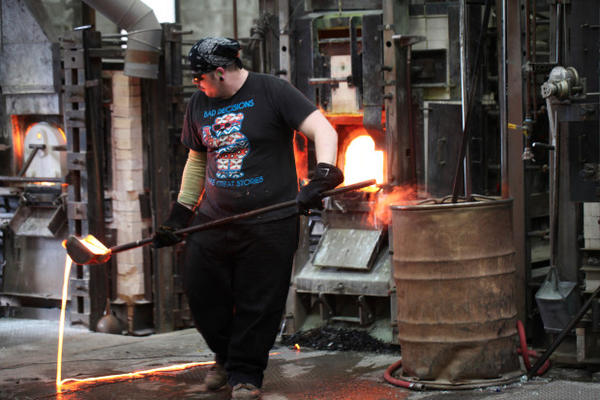 <p>Bullseye Glass makes artistic and architectural colored glass in Southeast Portland.</p>