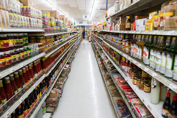 The renowned Bangkok Market, located in Los Angeles, is a longtime supermarket for retail and wholesale Thai produce, spices, chili pastes and household products.