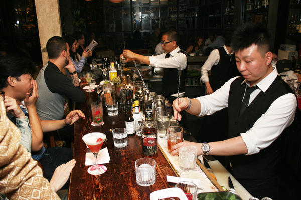 El Coctel, a cocktail bar in Shanghai opened by Spanish food entrepreneur Willy Trullas Moreno, features exotic mixed drinks prepared by seasoned mixologists from China, Japan and Sweden.