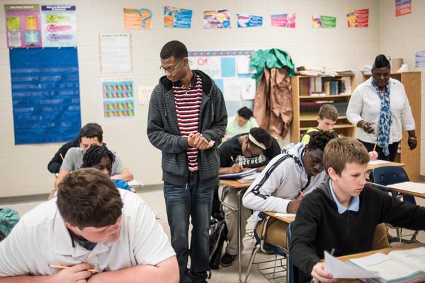 Gordon observes a middle school class.