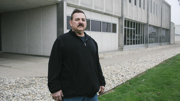 Auto worker Ted Kenworthy in front of the Chrysler plant last Wednesday in Kokomo. During a 2010 visit to Kokomo, President Obama said the auto bailout greatly benefited the city.