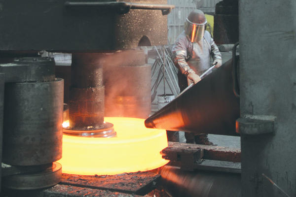 <p>Precision Castparts' forge workers (file photo).</p>