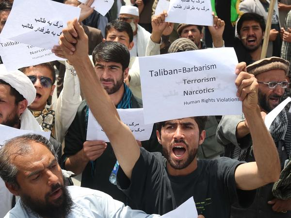 Afghan protesters in Kabul demonstrate against Taliban killings and kidnappings on June 2.