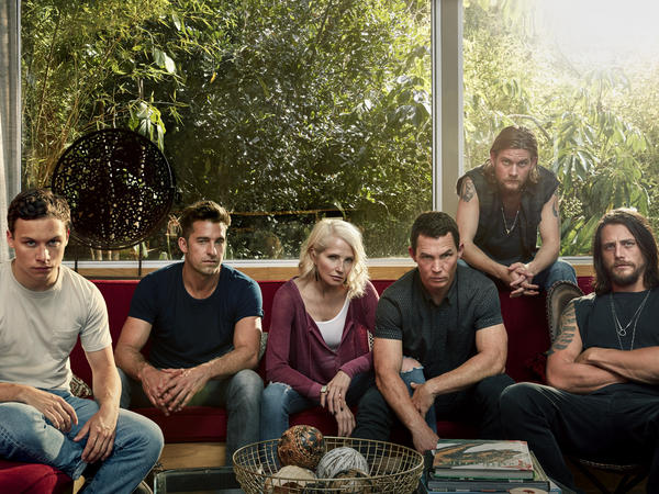 <em></em>TNT's <em>Animal Kingdom</em> doesn't quite live up to the promise of a solid cast — including Ellen Barkin, Scott Speedman and Shawn Hatosy.