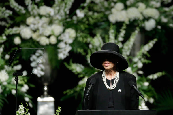 Lonnie Ali thanked everyone who came to honor and say farewell to her husband.