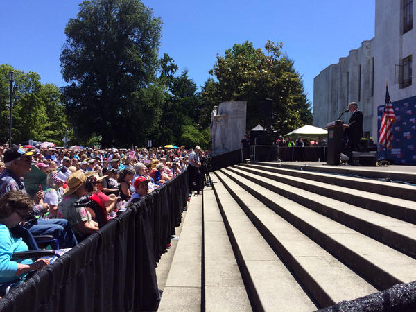 Evangelist Franklin Graham speaks on the steps of the Oregon capitol in Salem.