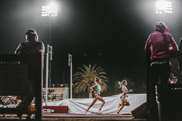 Alexi Pappas competing in real life in the 10,000-meters at the Peyton Jordan Invitational in Palo Alto, California, this spring.