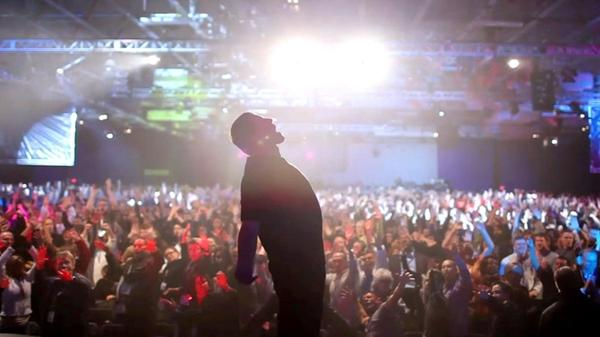 "Thousands of disciples from all over the world attend Tony Robbins' annual ""Date With Destiny Seminar"" in Palm Beach, Fla."
