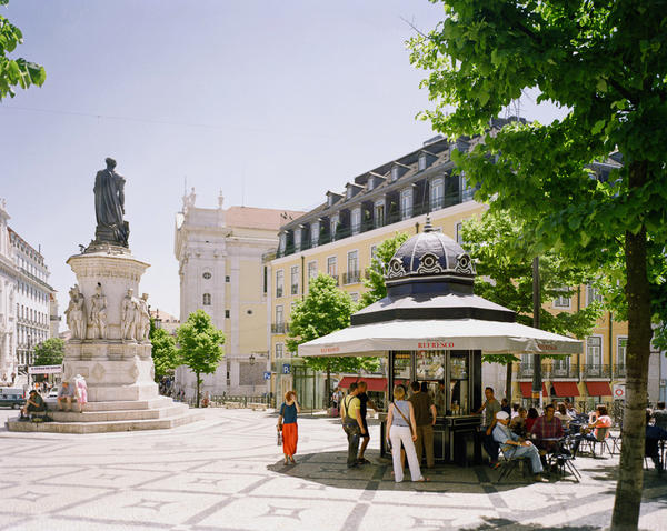 Quiosque da Praça Luís de Camões, one of the refurbished refreshment stands that Catarina Portas and architect João Regal helped restore to Lisbon's plazas.