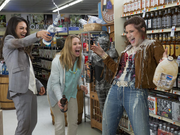 Mila Kunis, Kristen Bell and Kathryn Hahn demonstrate one of the messiest ways to make a white Russian in <em>Bad Moms</em>.