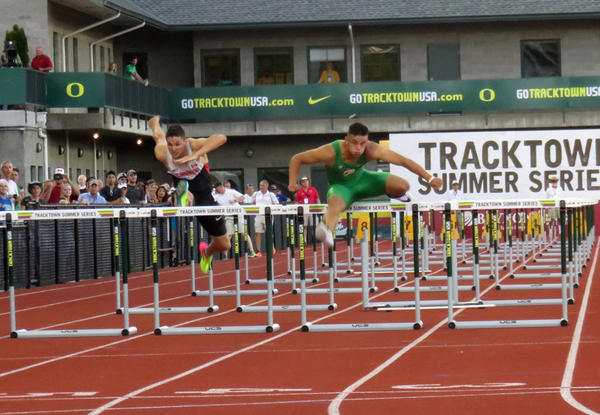 University of Oregon hurdler Devon Allen tuned up for the Rio Olympics with an exhibition race Friday, which pitted him against training partner Johnathan Cabral, a Canadian Olympic Team member.