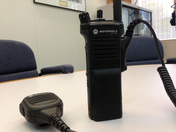 A new performance audit calls into question the Washington State Patrol's decision to enter into a sole-source contract with Motorola for a new two-way radio system and without an engineering report.