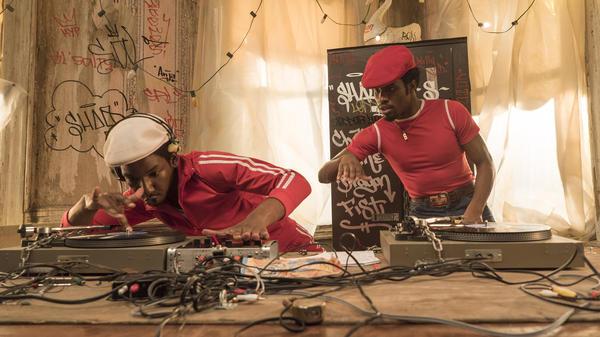Grandmaster Flash (Mamoudou Athie) and Shaolin Fantastic (Shameik Moore) on <em>The Get Down.</em>