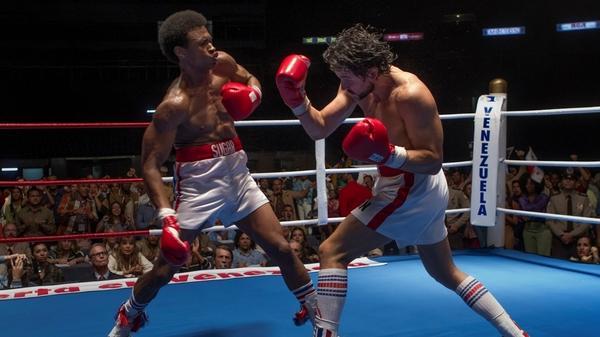Sugar Ray Leonard (Usher Raymond) and Roberto Durán (Edgar Ramírez) duke it out in <em>Hands of Stone.</em>