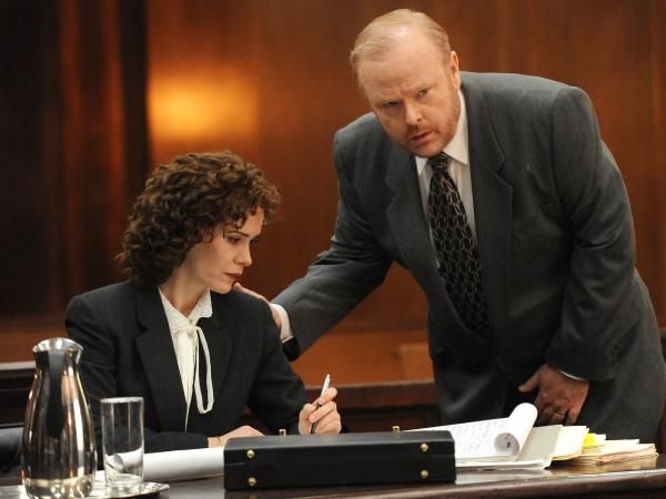 "Sarah Paulson and Christian Clemonson in <em>The People v OJ Simpson</em>'s pilot episode, ""From the Ashes of Tragedy"""