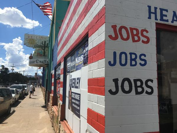 The new Republican campaign office in downtown Nogales.