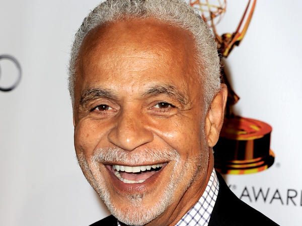"Actor Ron Glass known for his role in the long-running comedy ""Barney Miller,"" has died at 71."