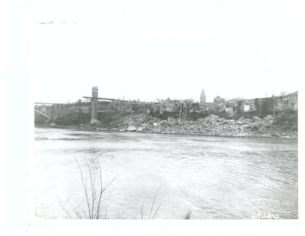 DEWATERED NIAGARA FALLS / U.S. ARMY CORPS OF ENGINEERS