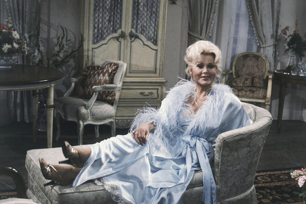 Zsa Zsa Gabor strikes a glamorous pose during a rehearsal for CBS's <em>As The World Turns</em> in 1981.