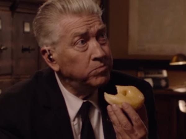 David Lynch eats a donut in Showtime's bare-bones teaser for the <em>Twin Peaks</em> revival.