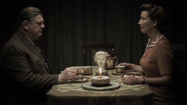 Otto (Brendan Gleeson) and Anna (Emma Thompson) are <em>Alone in Berlin</em>.