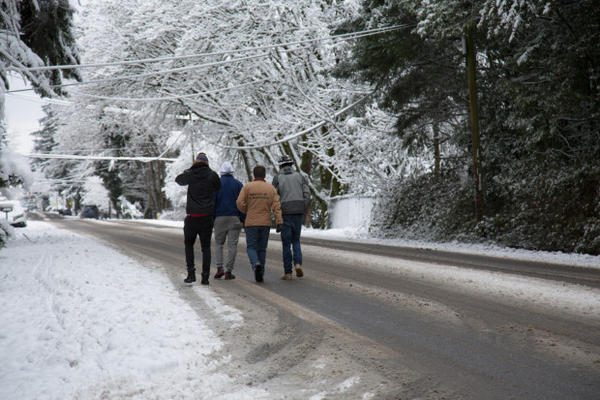 <p>With Clackamas County schools closed for snow, students took the opportunity to enjoy the winter wonderland, Jan. 11, 2017.</p>