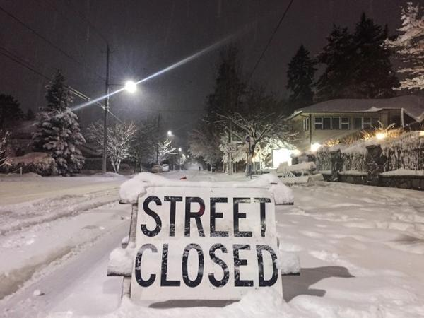 <p>The heavy snowfall left some side streets closed in Portland. </p>