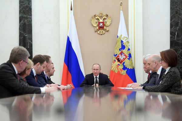 Russian President Vladimir Putin chairs a meeting on economic issues in the Kremlin in Moscow. (Alexei Druzhinin/ AP)