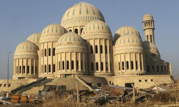 Iraqi government forces now control Mosul's Grand Mosque in the eastern part of the city.