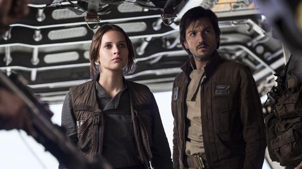 Jyn Erso (Felicity Jones) and Cassian Andor (Diego Luna) in <em>Rogue One: A Star Wars Story.</em>