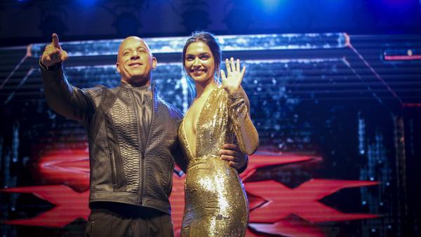 Deepika Padukone and Vin Diesel at a fan screening of <em>xXx: The Return Of Xander Cage</em> in Mumbai, India.