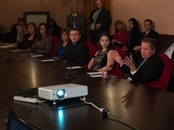 Gov. John Kasich talks to students, teachers and administrators about the importance of innovative education.